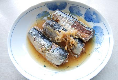 セブンイレブンオリジナル缶詰 いわし生姜煮の盛り付け例