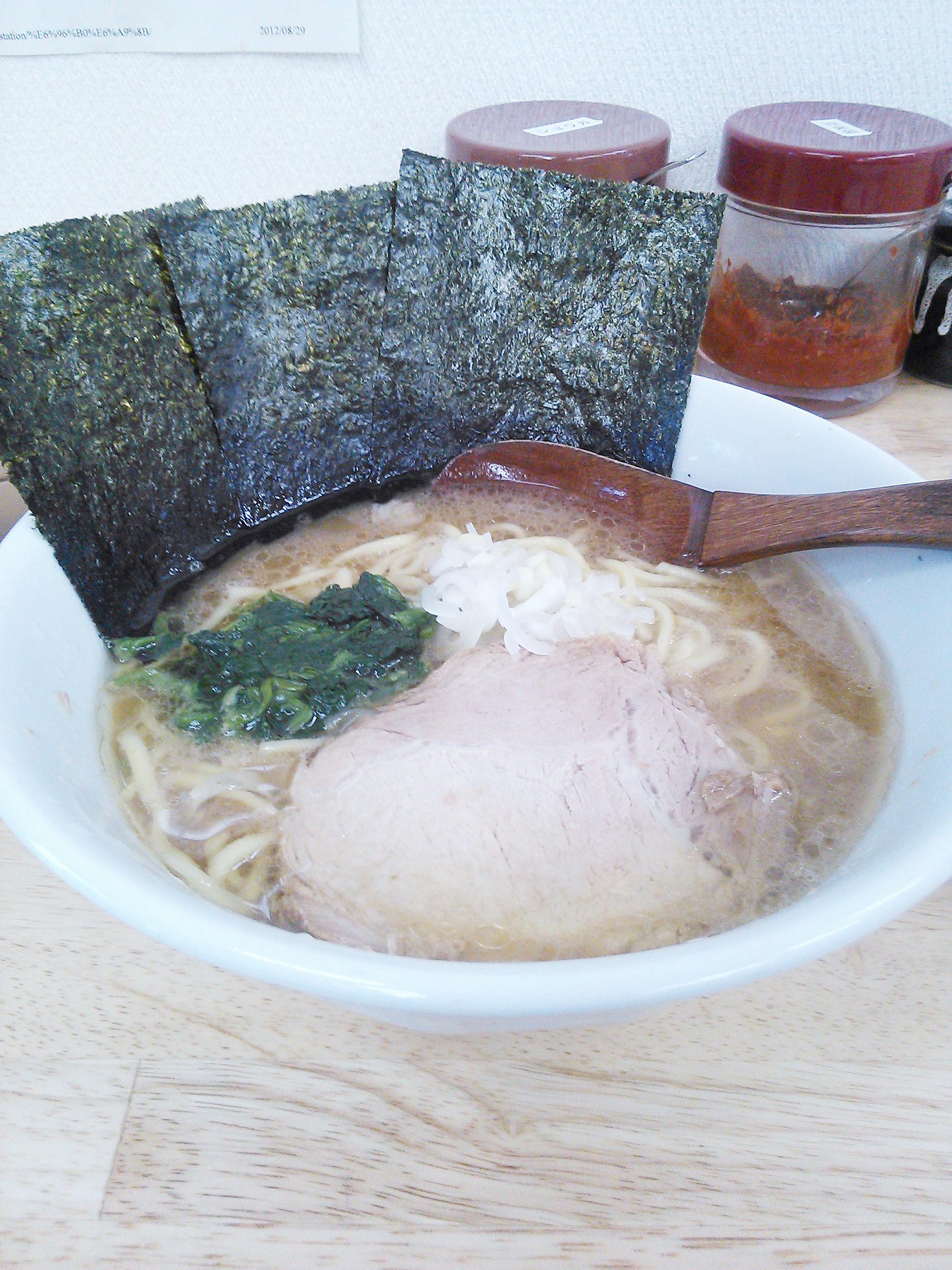 麺家一なりの横浜家系ラーメン