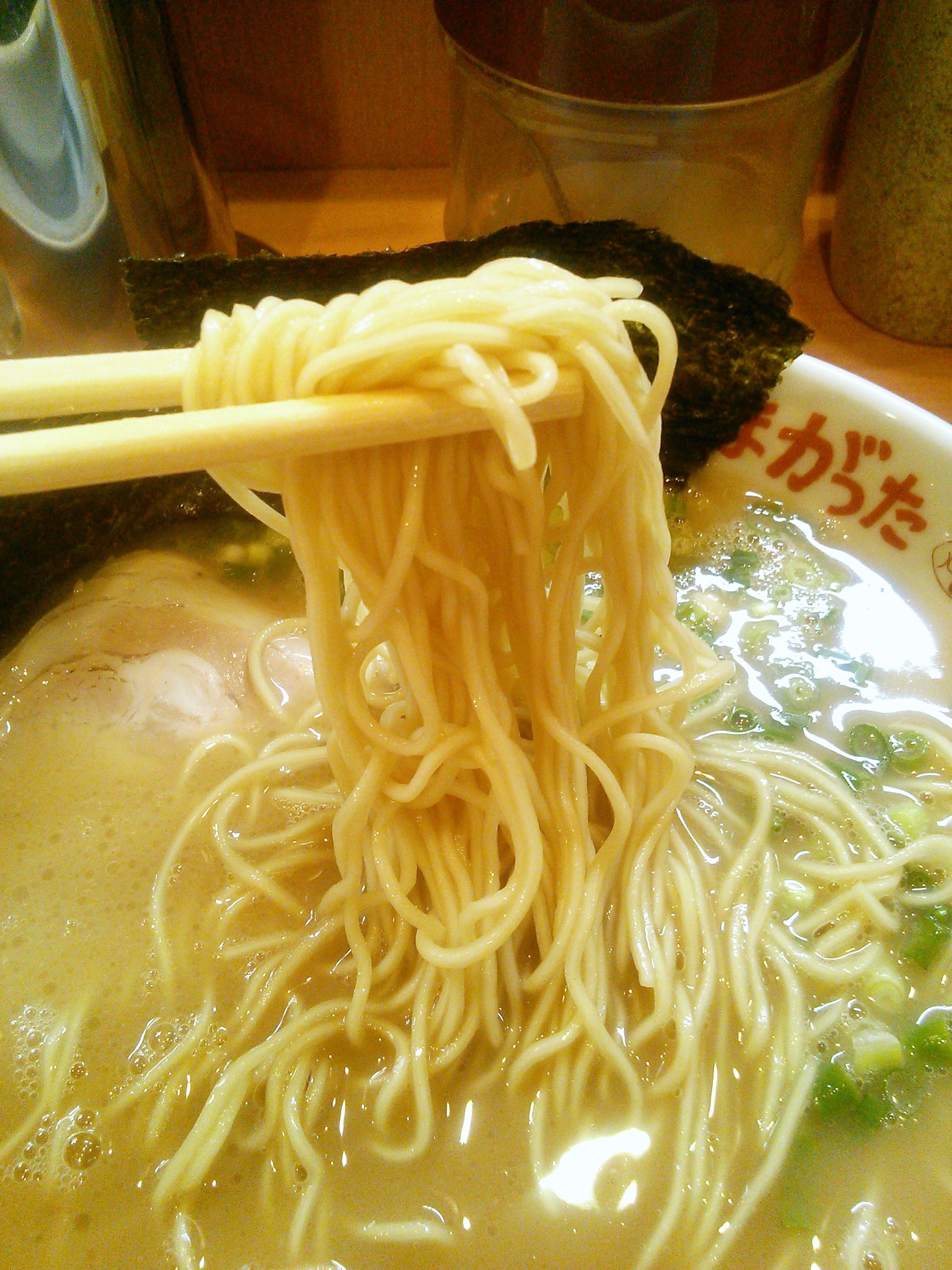 たまがった川崎店のらあめんの細麺