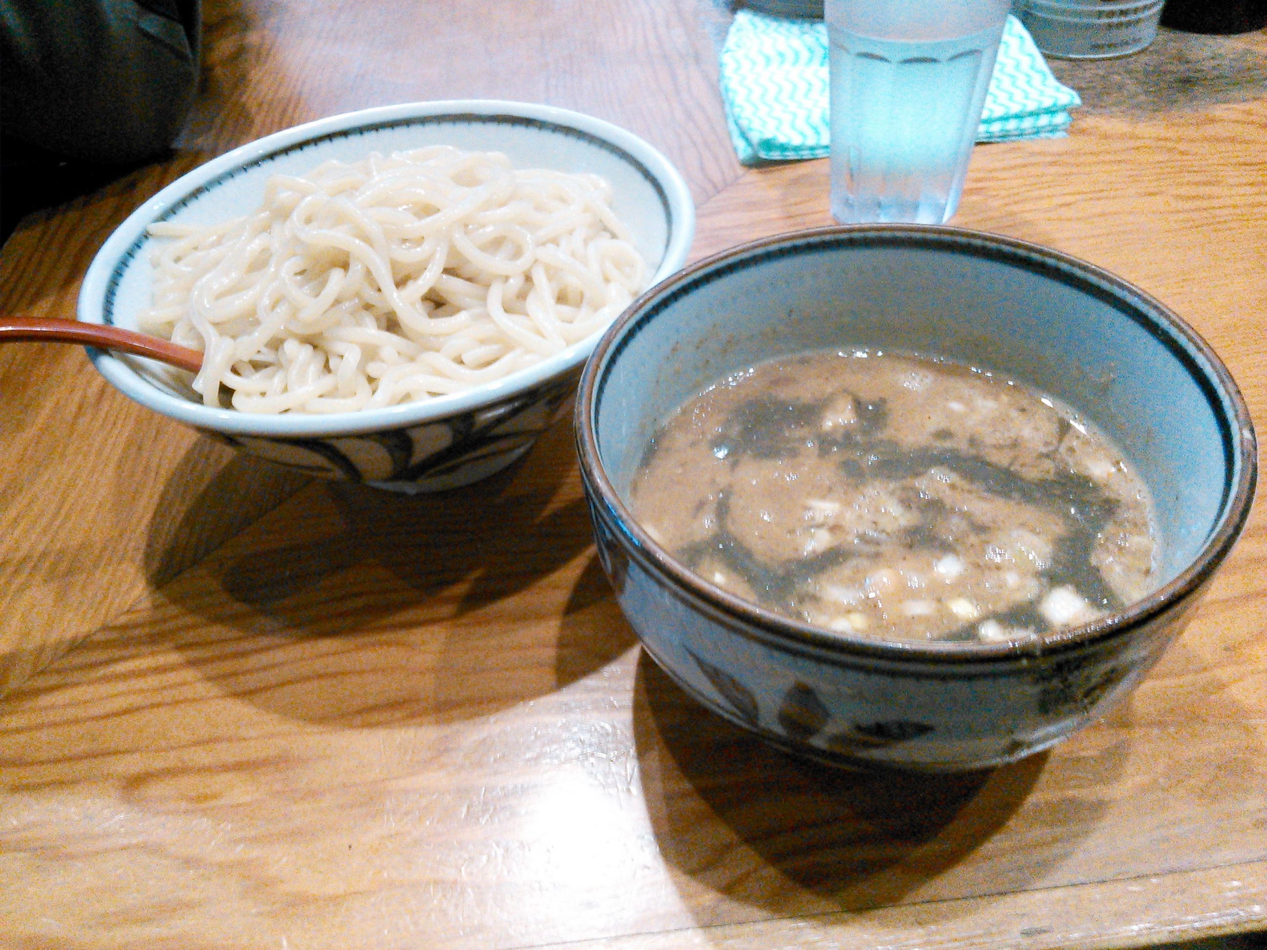 月と鼈の濃厚煮干しつけ麺