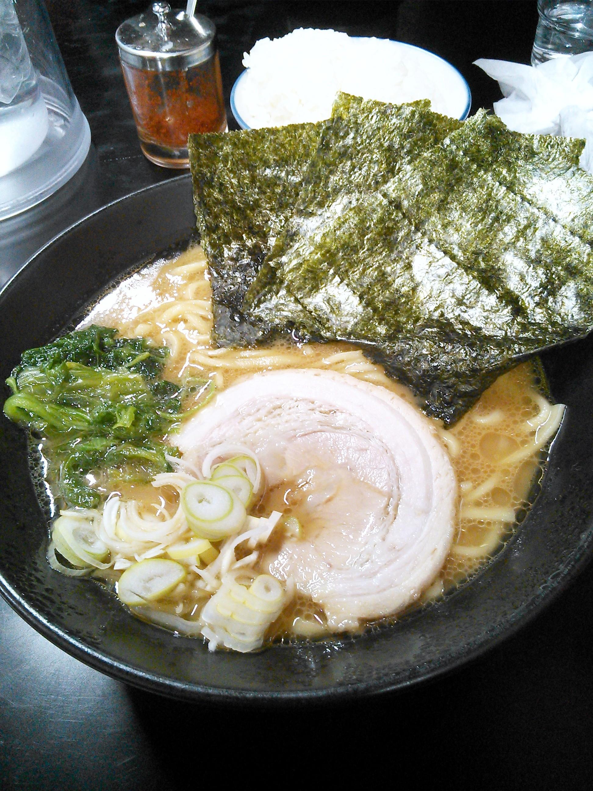 戸塚の黒一番 横浜家系ラーメン