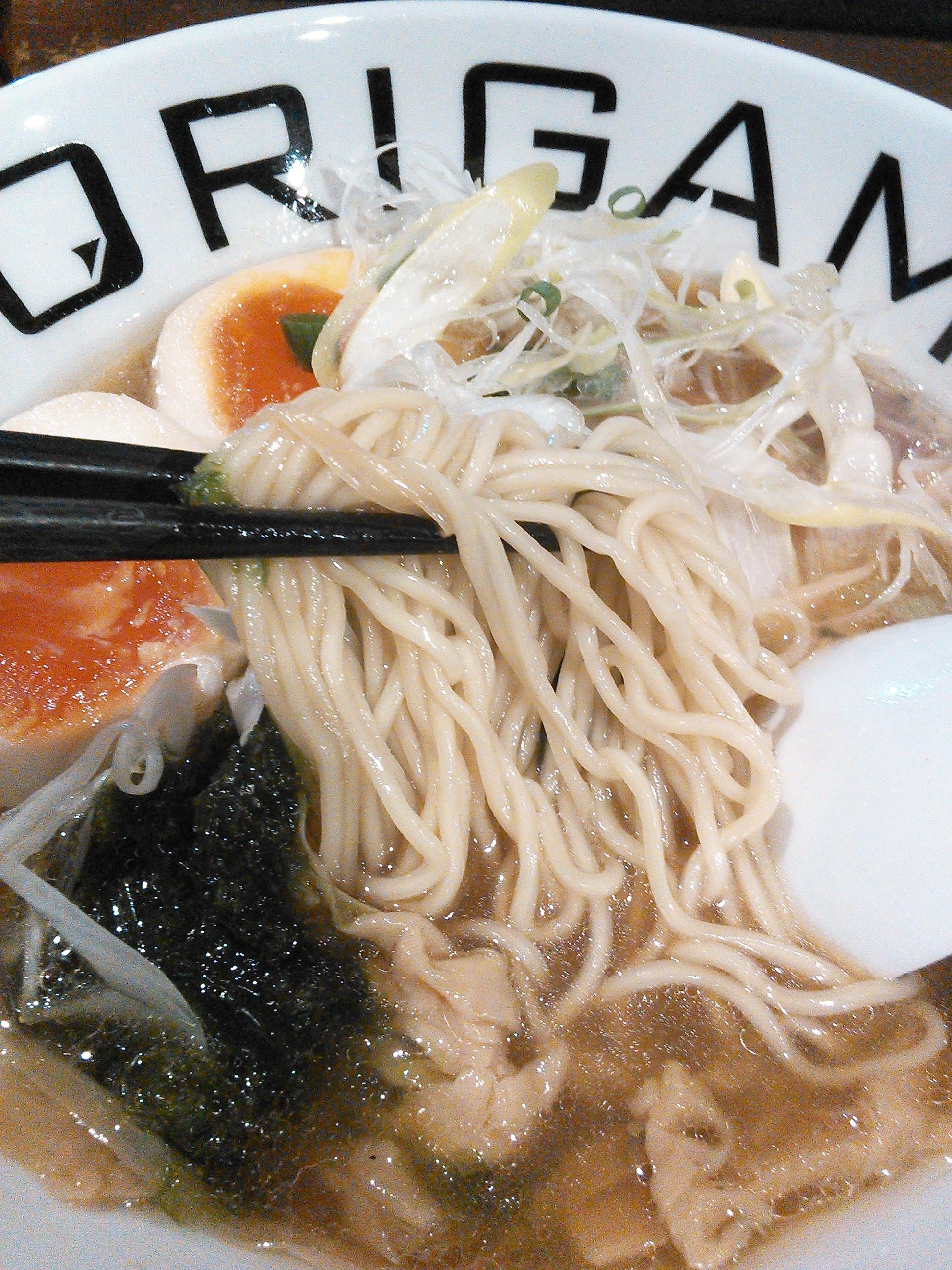 麺屋ORIGAMIの味玉ORIGAMIらーめんの麺