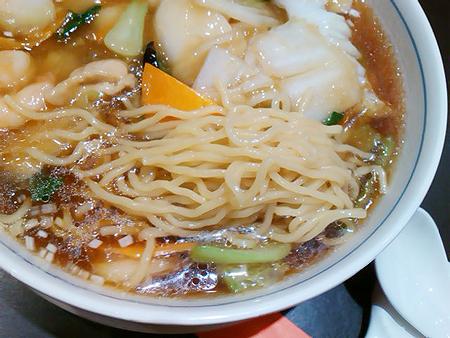東戸塚西武の中華料理店・唐菜の五目つゆそばの麺