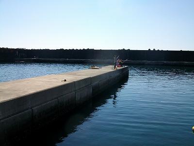 早川港の小突堤