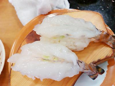 ジャンボおしどり寿司の生のクルマエビ