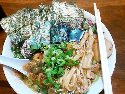 麺や 太華の中華そばにのりをトッピング