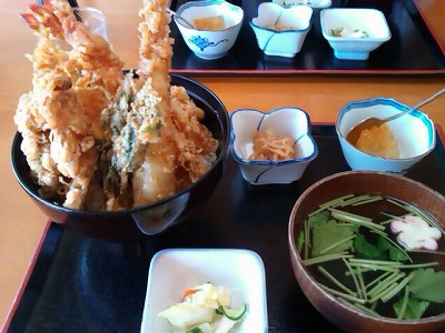 食処うまいや東洋の天丼980円