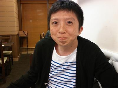 すしざんまいのマグロのうまさに目を丸くする和田アン肝氏