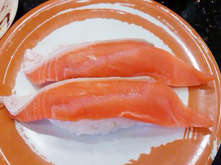 ジャンボおしどり寿司の時鮭の握り