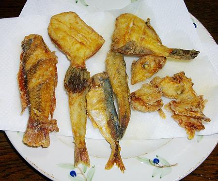 杉田臨海緑地で釣った小魚のから揚げ