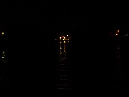 杉田臨海緑地から見える夜のIHI