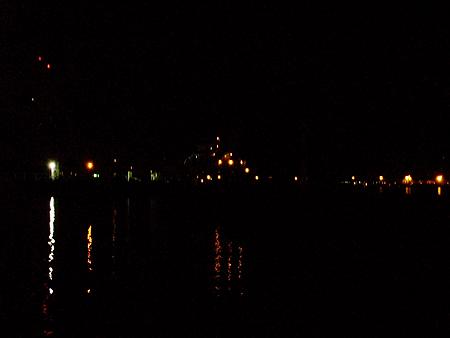 横浜・杉田臨海緑地で夜の風景2