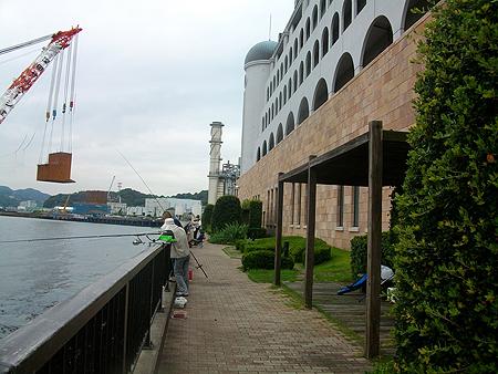 横須賀・アイクル横の護岸