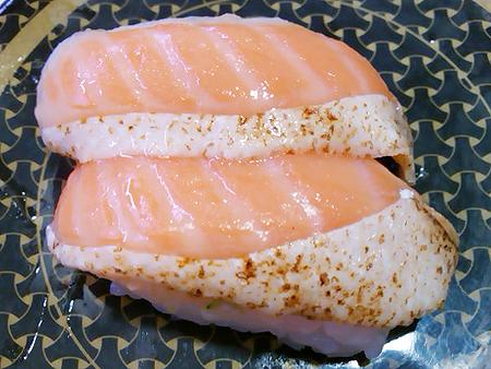 はま寿司の焼とろサーモンの握り