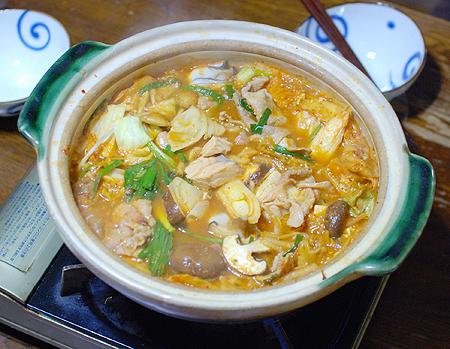 秋鮭をたっぷり入れたキムチ鍋