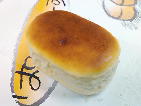 元祖栗どら焼きの店 するがのぱくっ!とちーずは小ぶりなチーズケーキ