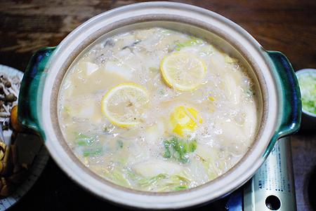 海産物専門おのざきの「あんこう鍋」の調理例