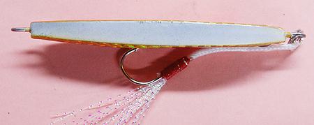 タカミヤのメタルジグ ランダムウォーク 赤金の腹側