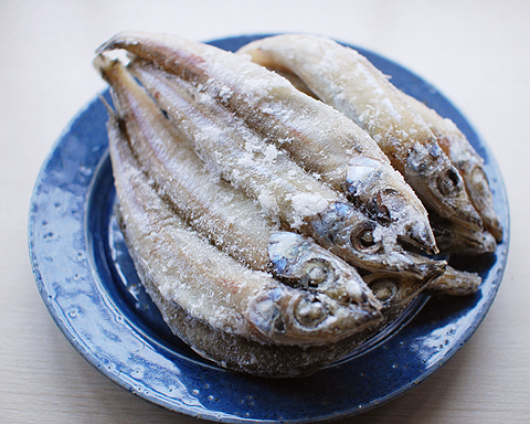 魚重食堂特製のメギスの丸干し