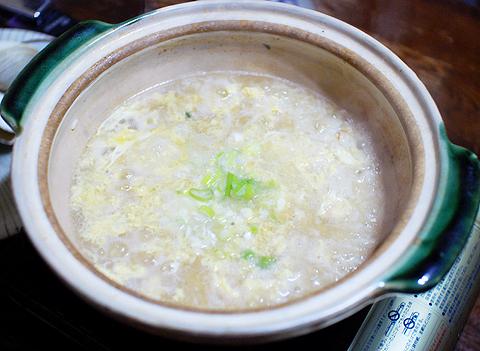 ホンビノスガイの寄せ鍋のシメに雑炊