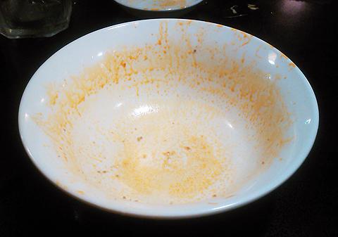 戸塚中華・栄海の台湾ラーメン辛口を完食&完飲
