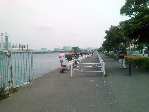 横浜磯子・根岸港