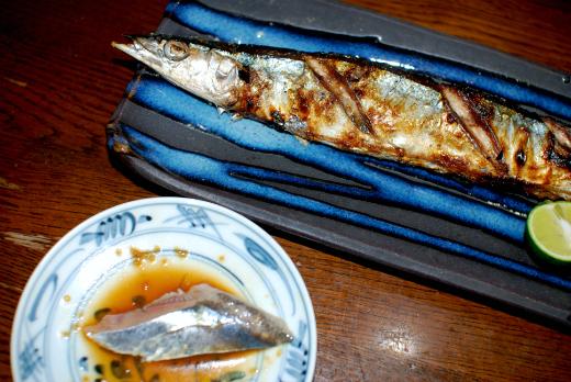 サンマの定番料理といえば塩焼きと刺し身