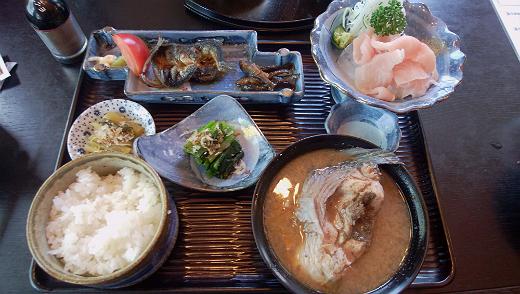 三河屋で食べた豪華 鯉御膳セット